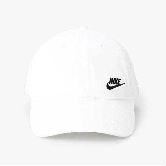2f0cfebf6efa1 Nike Women s Twill H86 Cap. M 5ad375d1caab44075e5d1c05